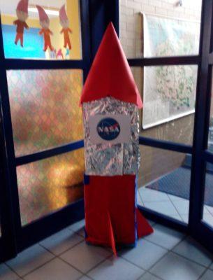 rakietą w kosmos